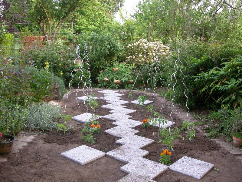 jardin des `MAL`AKHIM  Lysiane:historique_jardin:dscn1365