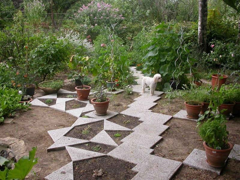 jardin des `MAL`AKHIM  Lysiane:historique_jardin:dscn3121