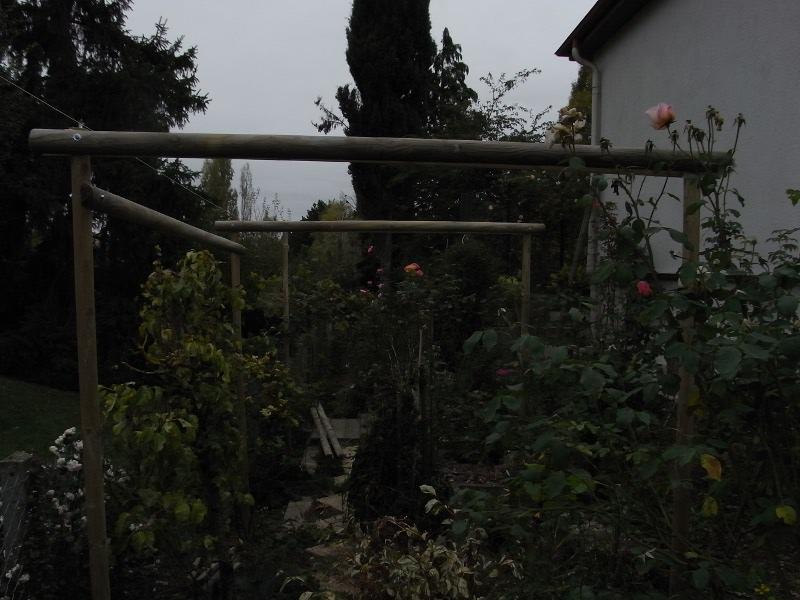 jardin des `MAL`AKHIM  Lysiane:visite_du_jardin:2009:r0012994_red