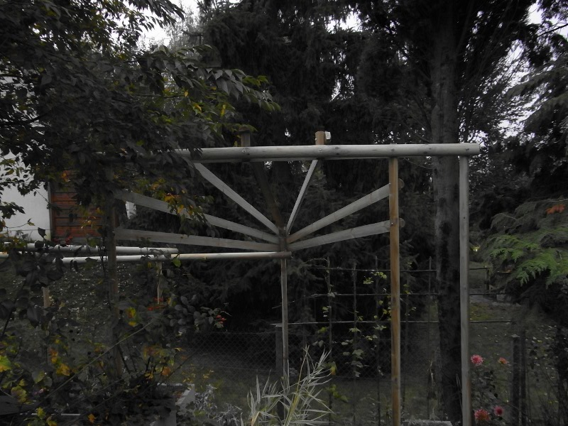 jardin des `MAL`AKHIM  Lysiane:visite_du_jardin:2009:r0013306_red