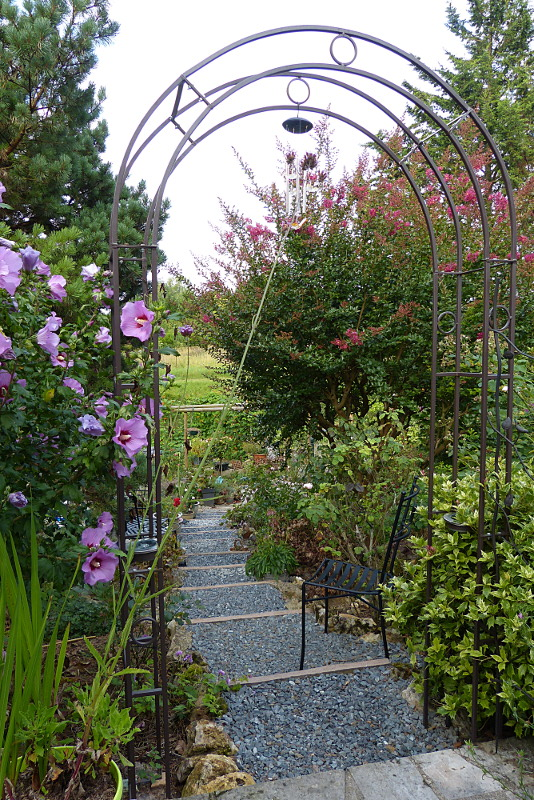 jardin des `MAL`AKHIM  - Page 4 Lysiane:visite_du_jardin:2014:p1150366